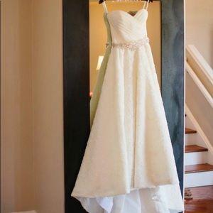 Romona Kaveza Wedding Dress